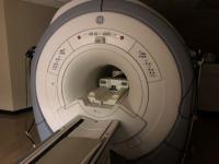Foto GE Signa HDxt 1.5T MRI Scaner - 2